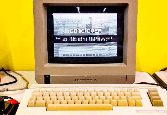 Commodore 64 vs Vic 20 vs XT8006